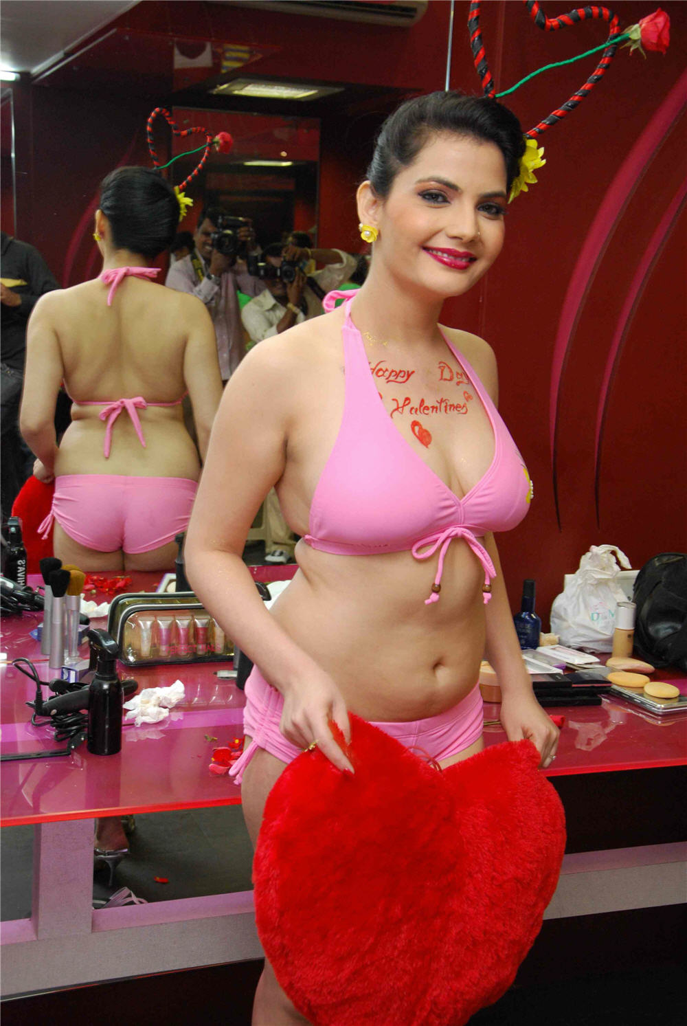 Naked  Hot Bollywood Actress-8411