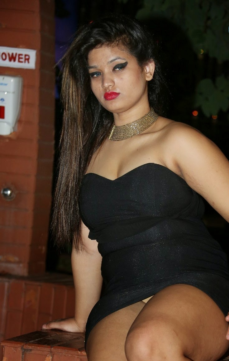 Big Boobs  Hot Bollywood Actress  Page 2-9893